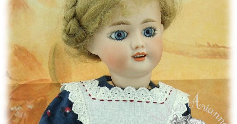 Reproduction de tenue pour poupée Bleuette-robe mars 1905 et tablier avril 1905