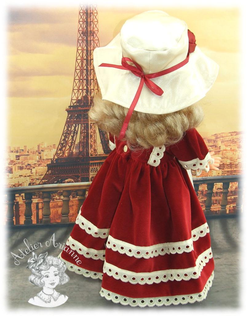 Adèle tenue pour poupée Modes et Travaux
