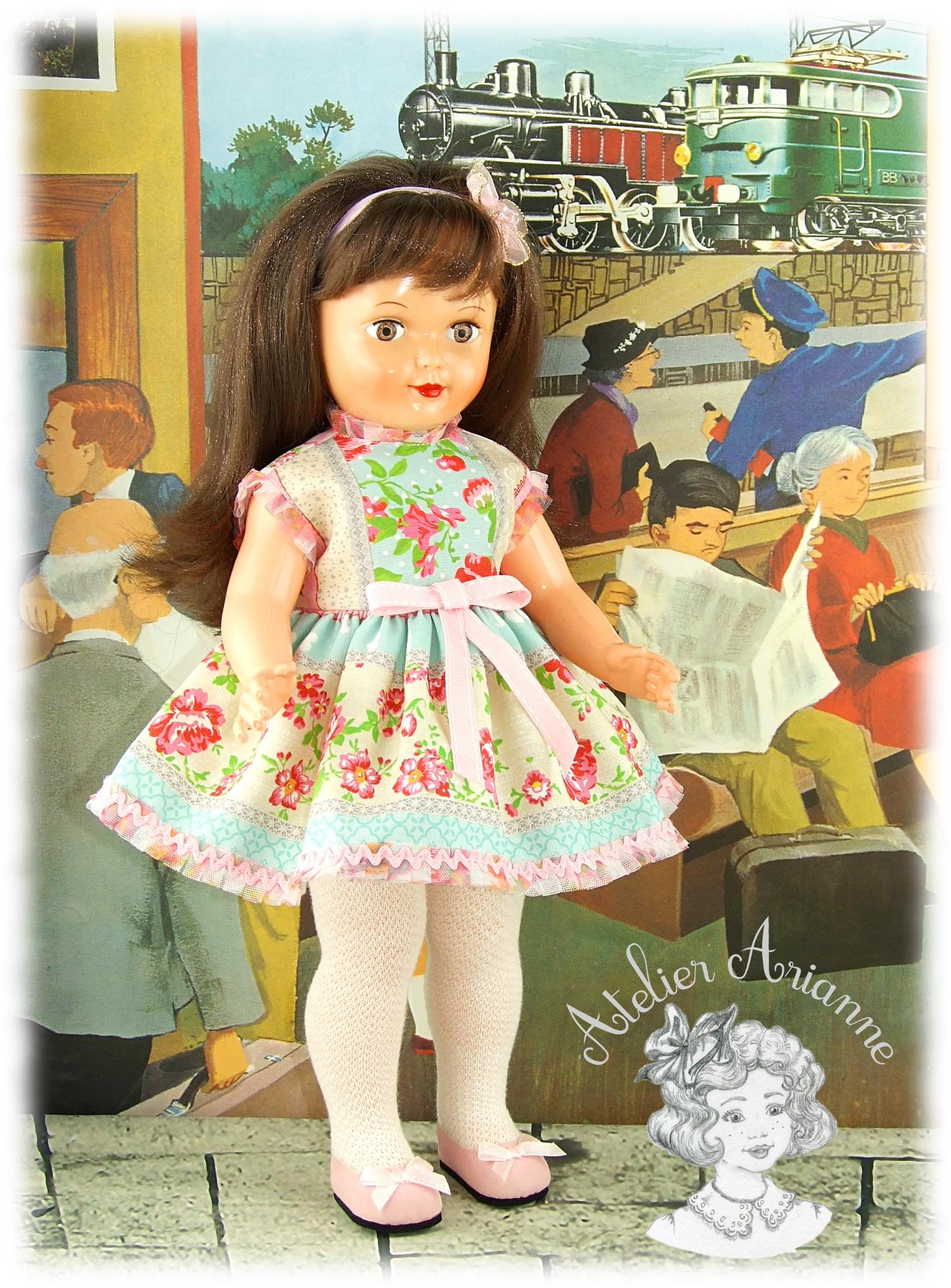 Floriane tenue pour poupée Modes et Travaux