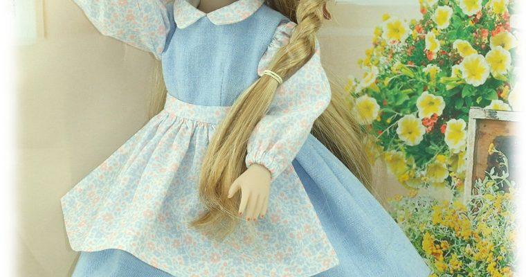 SUZETTE- ENSEMBLE DE TENUES EXCLUSIVES pour poupées Fashion Friends -Ruby Red
