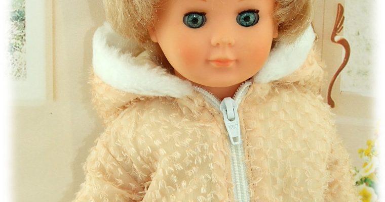Tenue pour poupée Marie-Françoise de Modes et Travaux Janvier 1961