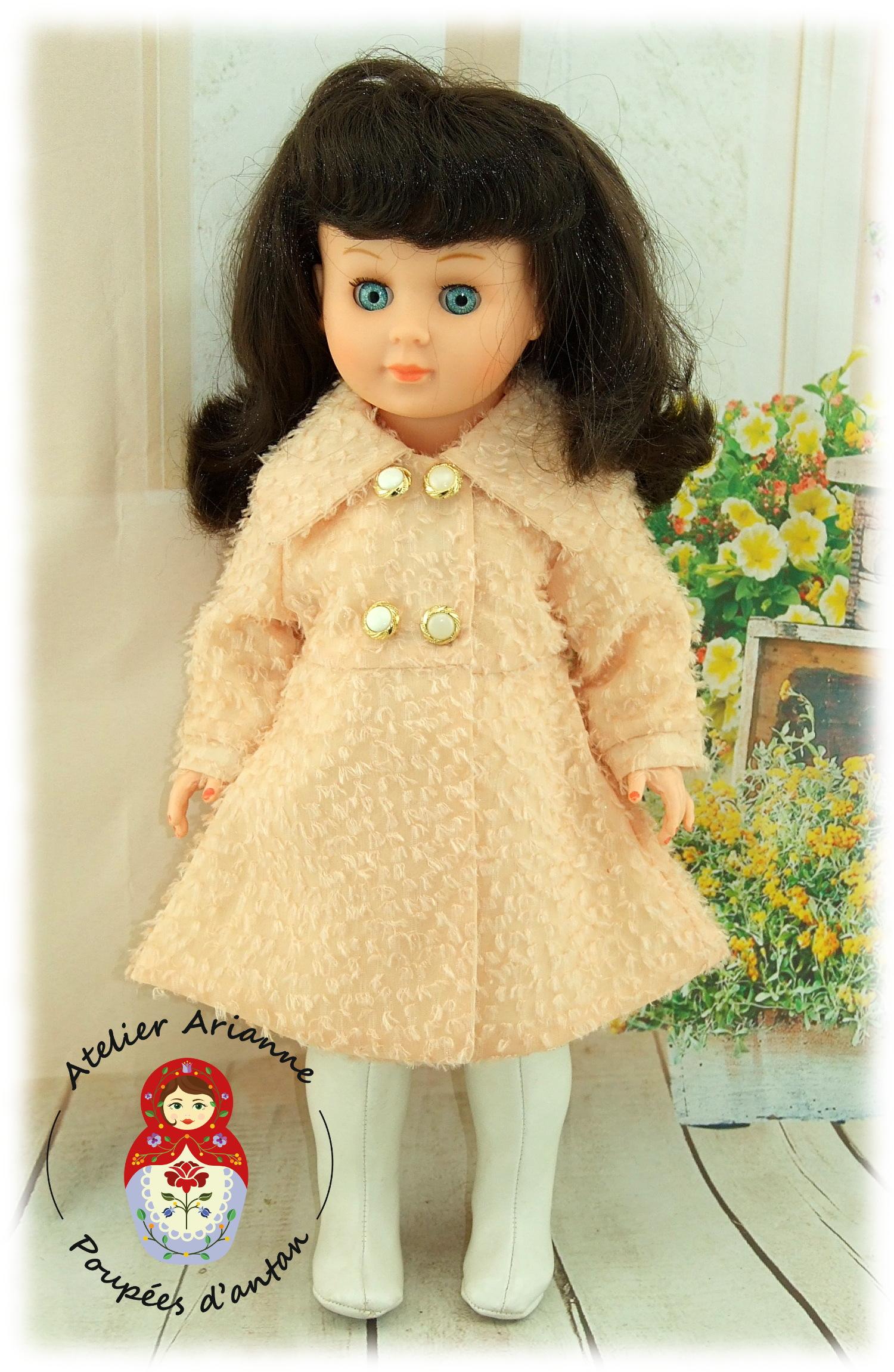 Manteau Novembre 1972 pour poupées Modes et Travaux Marie-Françoise