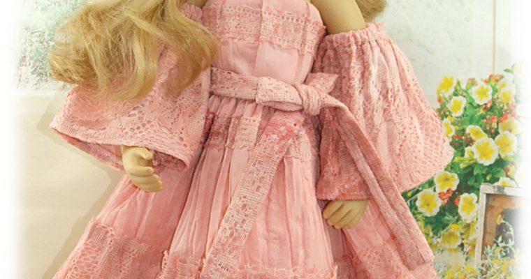 OKSANA – Tenue exclusive pour les poupée Finouche et Fanouche de Sylvia Natterer