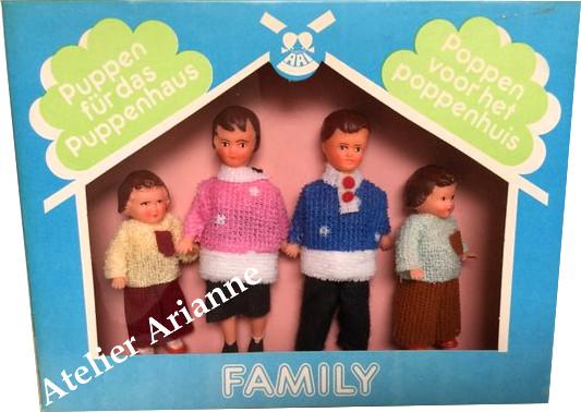 La famille des poupées Ari